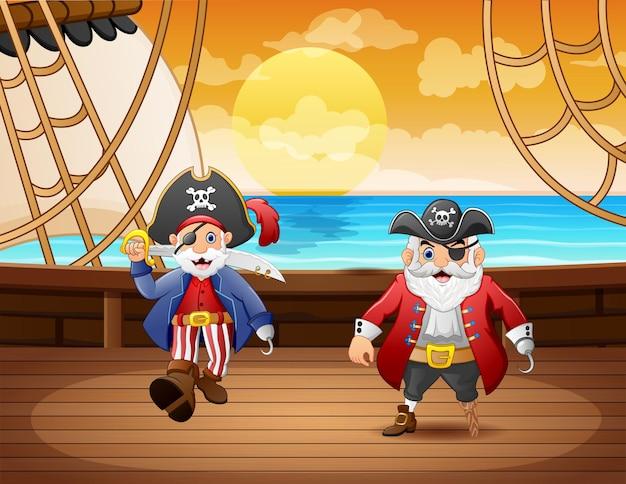Bateau pirate de dessin animé avec deux capitaine dans la mer