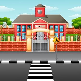 Bâtiment de l'école avec passage pour piétons