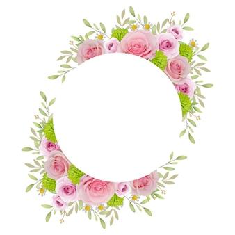 Beau cadre avec des roses roses florales