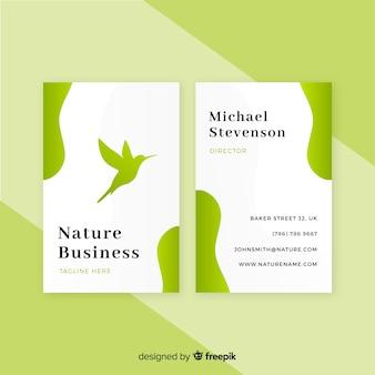 Beau modèle de carte de visite avec le concept de nature