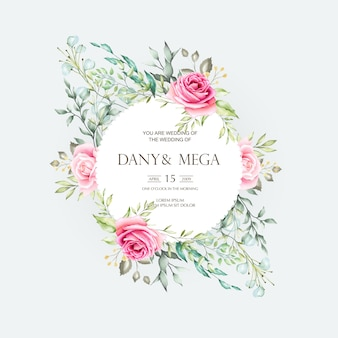 Belle carte de mariage avec aquarelle florale et feuilles