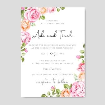 Belle carte de mariage avec des fleurs et des feuilles