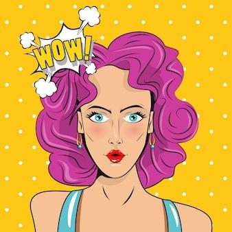 Belle femme aux cheveux roses et affiche de style pop art expression wow.