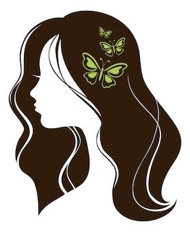 Belle fille avec des papillons
