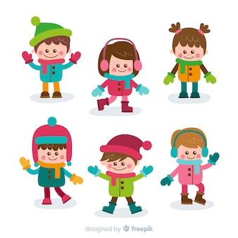Belle série d'enfants avec des vêtements d'hiver