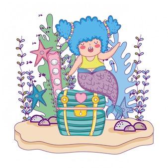 Belle sirène avec coffre au trésor et algues
