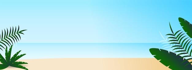 Belle vue sur la plage avec des feuilles tropicales.