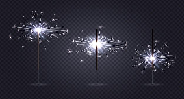 Bengale allume pyrotechnie réaliste sur transparent avec trois bâtons à différents stades de combustion