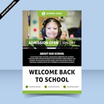 Bienvenue dans le modèle de conception de flyer vert ouvert d'admission à l'école