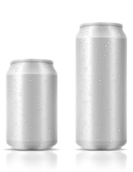 Bière en canette sur blanc