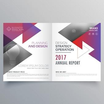 Bifold conception brochure de modèle avec des formes triangulaires