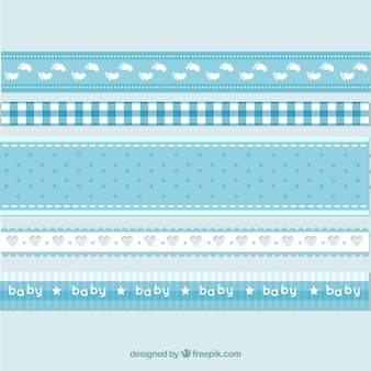 Bleu et rubans pour bébés blancs
