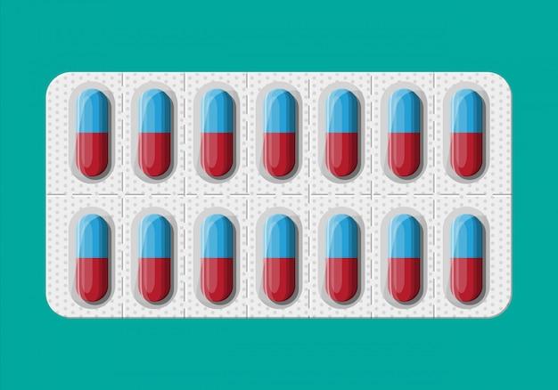 Blister avec des pilules pour le traitement de la maladie et de la douleur.