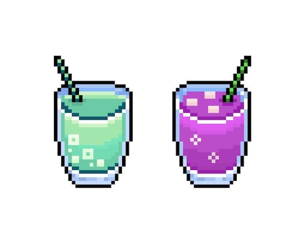 Boissons d'été rétro colorées de cocktails de pixel 8 bits