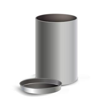Boîte en acier vide isolé sur blanc