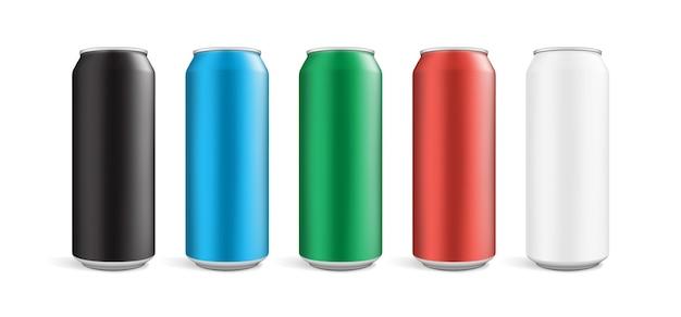 Boîtes de différentes couleurs isolés sur fond blanc