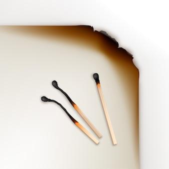 Bords de papier brûlé avec allumettes brûlées à différentes étapes close up isolé, vue de dessus sur blanc