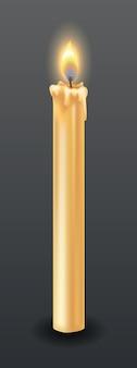 Bougie allumée avec de la cire qui coule ou qui coule. bougie jaune avec flamme dorée. cire allumée et fondue. illustration de la belle bougie rougeoyante sur fond sombre