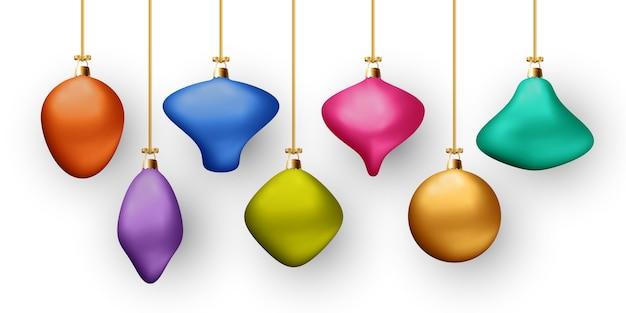 Boules De Couleur De Noël Isolés Sur Fond Blanc. Différentes Couleurs Et Formes. Décorations Du Nouvel An. Vecteur Premium