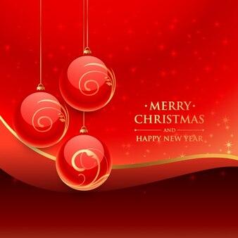 Boules de Noël sur un fond rouge