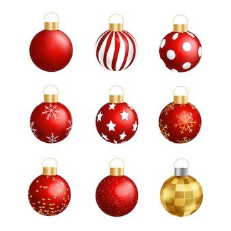 Boules de noël 3d rouges avec des motifs isolés sur blanc. ensemble d'objets de boule de noël. illustration vectorielle