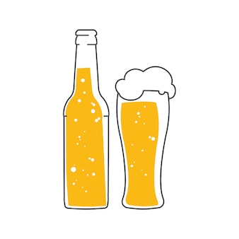 Bouteille de bière et un verre de bière mousse.