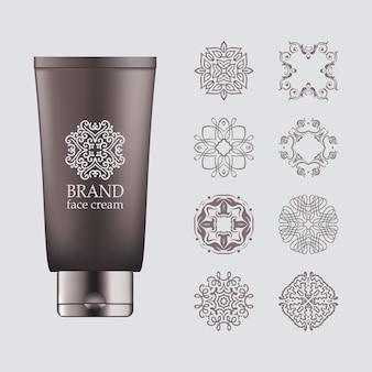 Bouteille gris foncé 3d réaliste, bouchon argenté pour éco-cosmétique avec ensemble de logo en ligne
