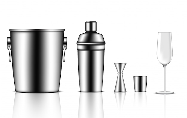 Bouteille de shaker métallique réaliste