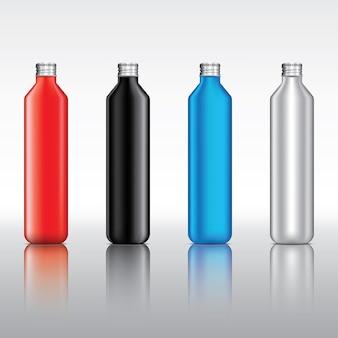Bouteille en verre clair et bouchon de bouteille en métal sur fond de couleur claire