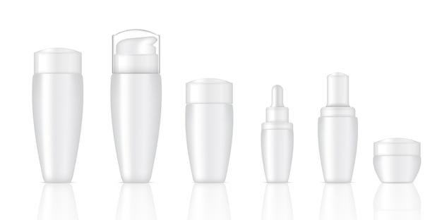 Bouteilles de savon cosmétiques blanches réalistes
