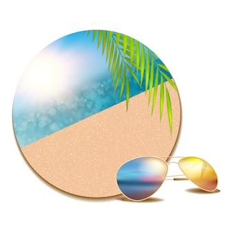 Bouton d'été avec lunettes de plage et soleil