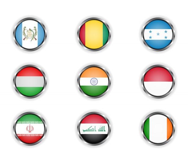 Boutons avec le cadre métallique des drapeaux des pays.