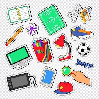 Boys doodle avec des éléments éducatifs