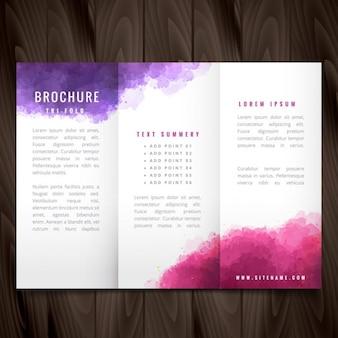 Brochure à trois volets créative faite avec de l'encre colorée