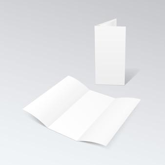 Brochure à trois volets en papier blanc vierge dépliant plié en zigzag