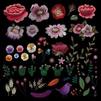 Broderie florale élégante folklorique traditionnelle.