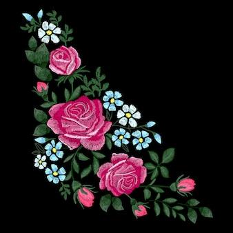 Broderie de roses sur fond noir. bouquet de fleurs. imitation de point satin. élément de décor textile.