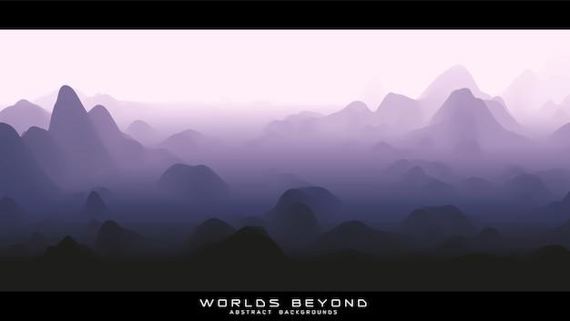 Brouillard sur le paysage panoramique des montagnes
