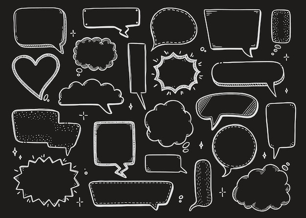Bulle de dialogue comique sertie de forme ronde, étoile, nuage. style de doodle croquis dessinés à la main sur fond de tableau. chat de bulle de discours d'illustration vectorielle, élément de message pour le texte de citation.