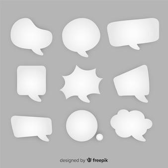 Bulles de dessin animé de discours plat dans le style de papier