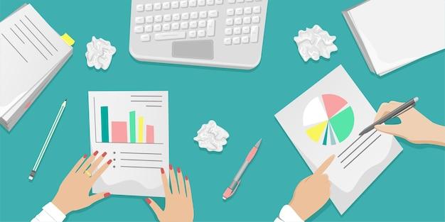 Bureau de travail avec travail d'équipe sur papier. des piles de papiers, des documents. concept de bureau. illustration de dessin animé.