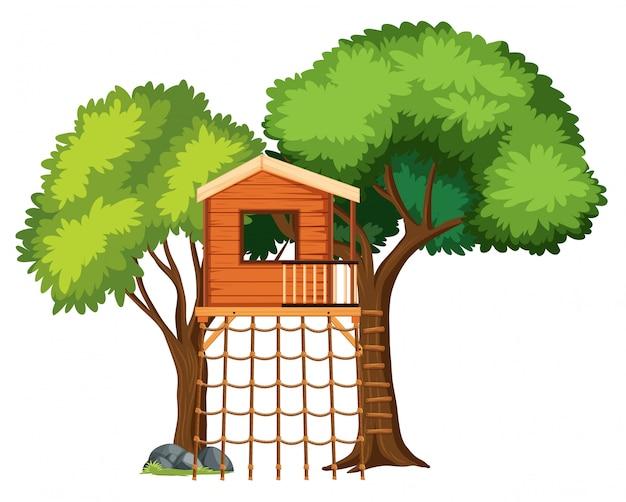 Une cabane dans les arbres isolée