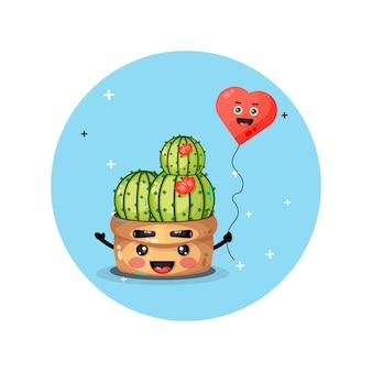 Cactus mignon aime les ballons