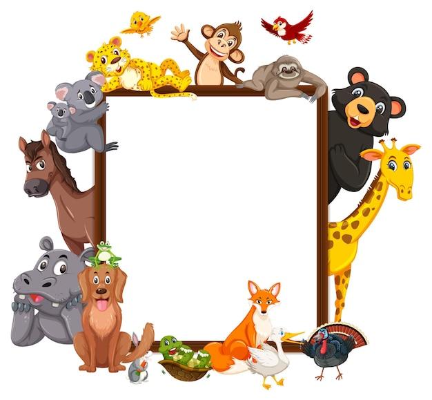 Cadre en bois vide avec divers animaux sauvages
