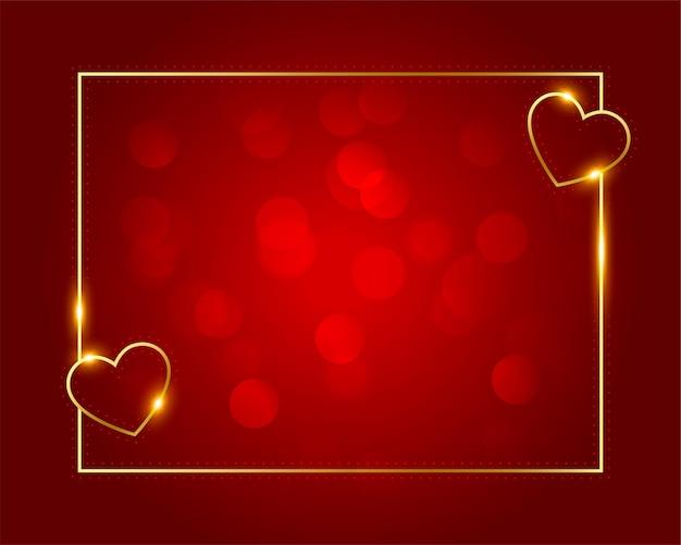 Cadre de coeurs d'amour doré pour la saint valentin