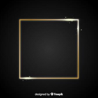 Cadre doré réaliste au carré