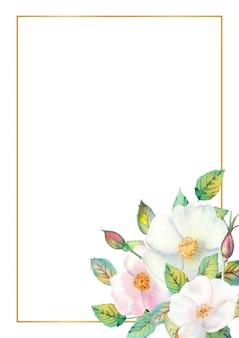 Cadre doré rectangulaire avec des cynorrhodons blancs, des fruits rouges, des feuilles vertes isolées