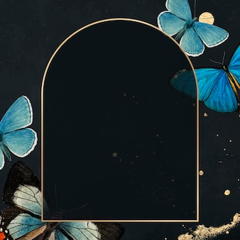 Cadre doré avec vecteur de fond à motifs de papillons bleus
