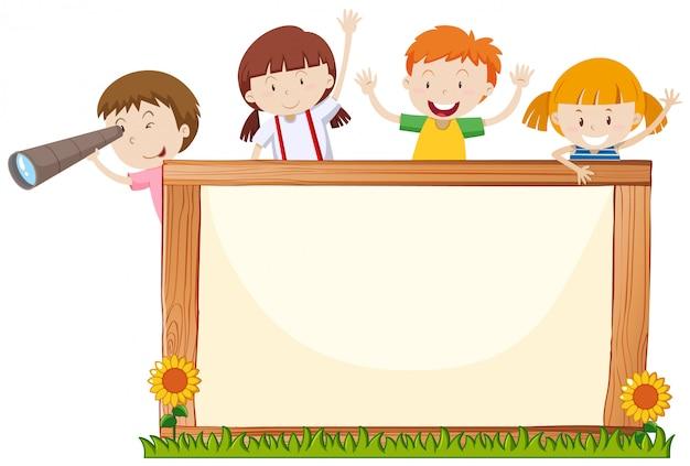 Cadre avec des enfants heureux et des fleurs