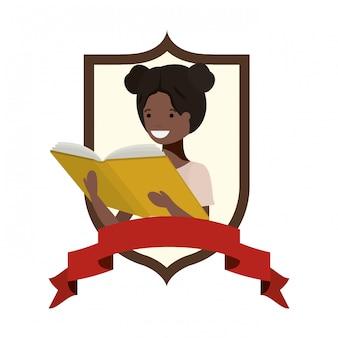 Cadre avec fille étudiante et livre de lecture
